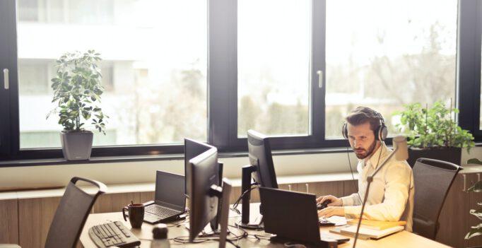 projectinrichting kantoormeubelen