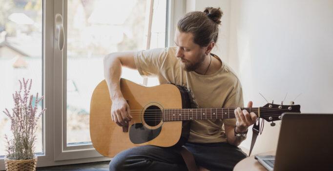 elektrisch gitaar spelen voor beginners